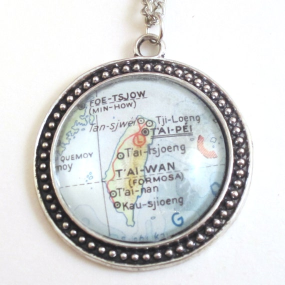 Personalized Map necklaces - Asia variations 30 mm