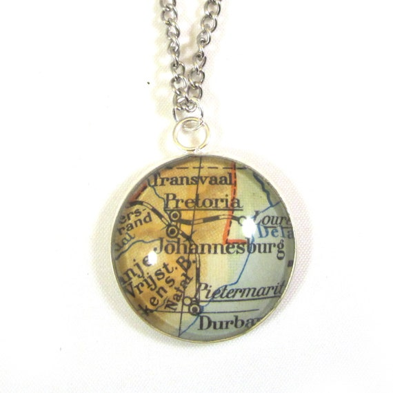 Personalized Map necklace - Africa variations 25mm