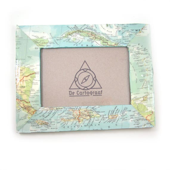 Personalized World map photo frame