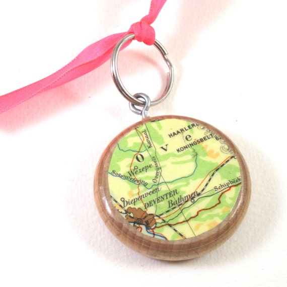Personalized World map keychain - Netherlands variations