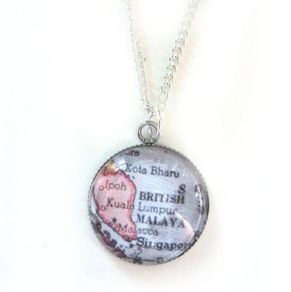 Personalized Map necklace - Asia variations 25 mm
