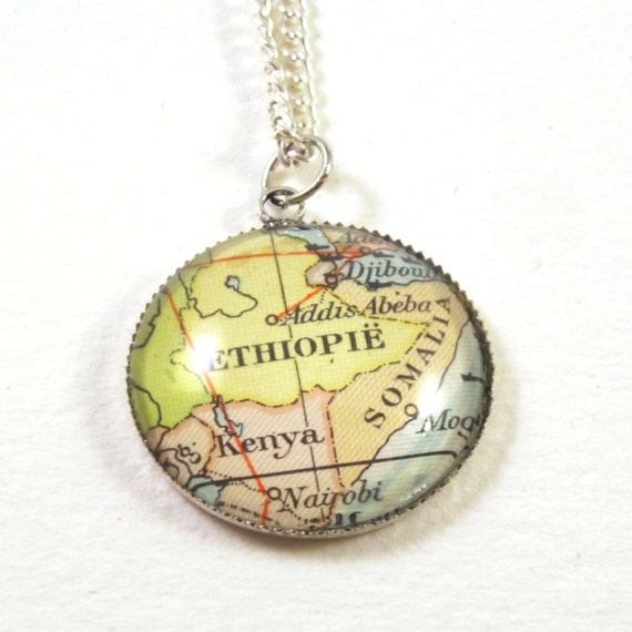 Personalized Map necklace - Africa variatons 20mm