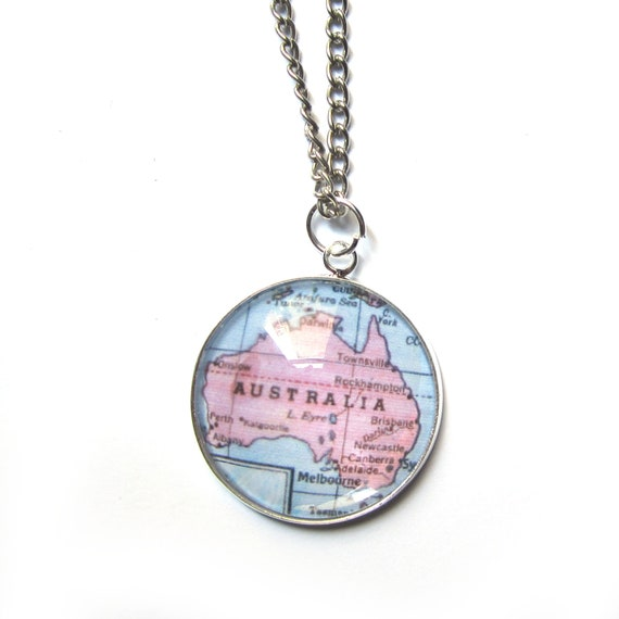 Personalized World map necklace - Indonesia/oceania 25 mm