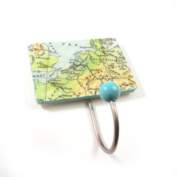 World map Coat hook