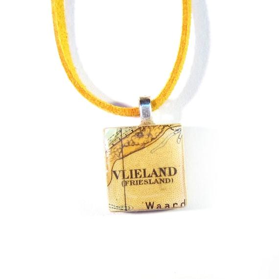 Scrabble tile necklace - Netherlands variations