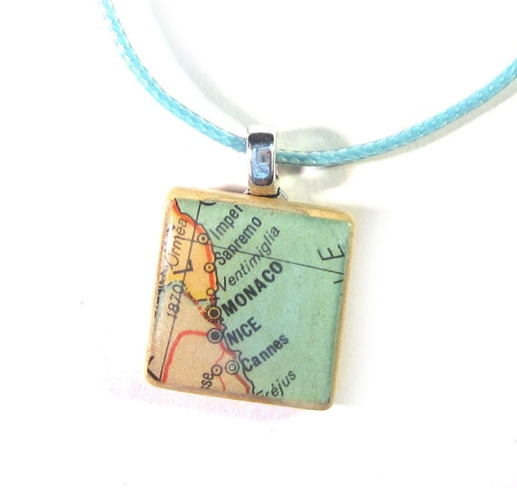 Scrabble tile necklace - Europe variations