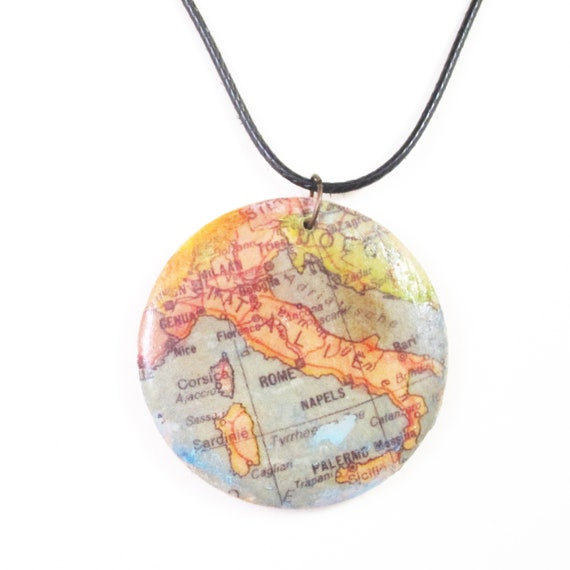 Handmade wooden necklace - Europ