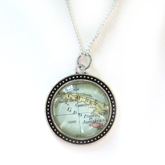 Personalized map necklace - Central america variations 30 mm