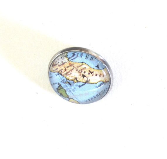 World map pin