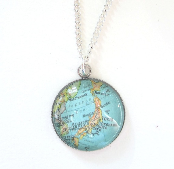 Personalized Map necklace - Asia variatons 20 mm