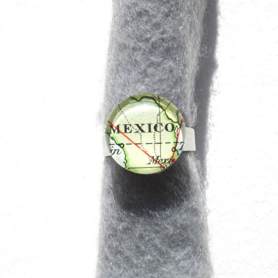 Personalized World map ring - America variations