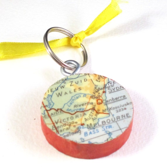 Personalized World map key chain