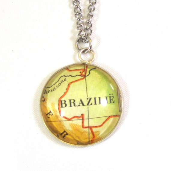 Personalized map Necklace - Latin America variations 25 mm