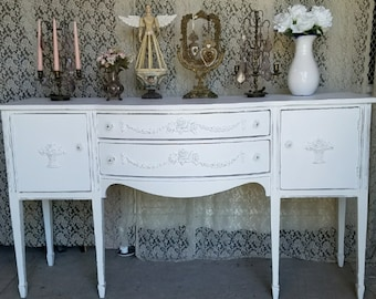Vintage, Shabby Chic, Sideboard Buffet, front bow, Handpainted, White, Beautiful