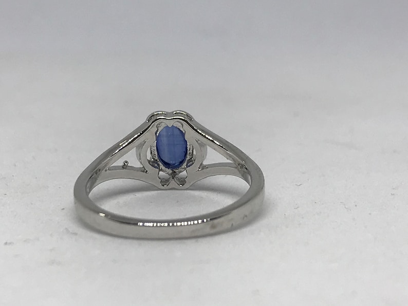 Tanzanite stone ring in 925 sterling silver