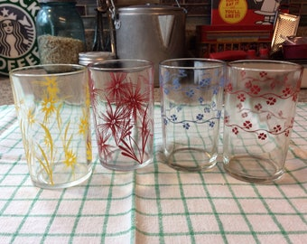 Red Craft Juice Glasses / Set of 4 / Swanky Swags / Flower Burst