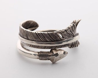 silver arrow ring sterling silver feather ring, Native America Indian jewelry, boho rings for women, unisex jewelry, red tailed hawk totem