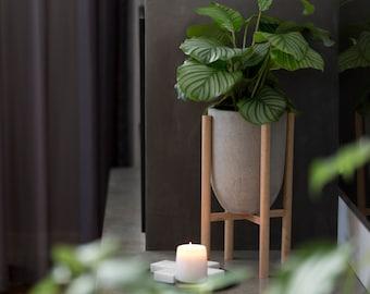 Small pot planter with timber legs - Eva series - CONCRETE GREY