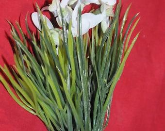 "Floral: spade ""pierced snow"""