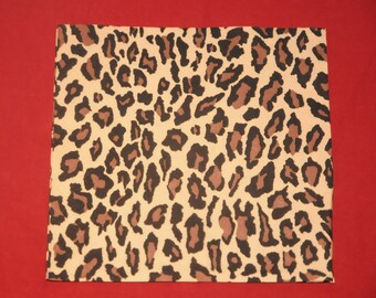 "animal theme ""leopard skin"" paper towel"