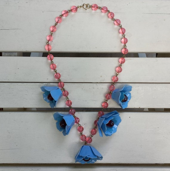 1940's vintage celluloid necklace - flowers - pink