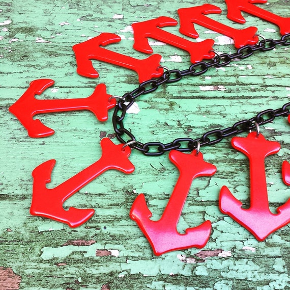 1940's Bakelite Anchor necklace - red with black … - image 2