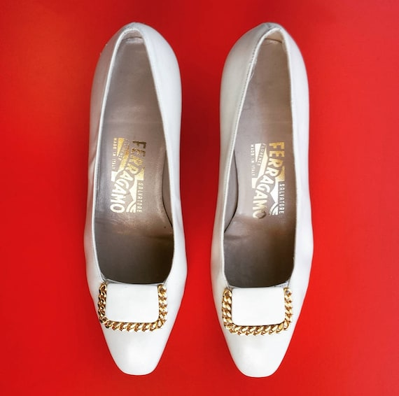 cream 6 gold 1990's accent 1 Ferragamo 2C chain pumps light with Salvatore size Women's XwZB6zqw