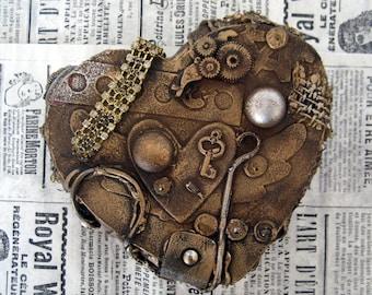 Poitrine de bijoux en forme coeur steampunk