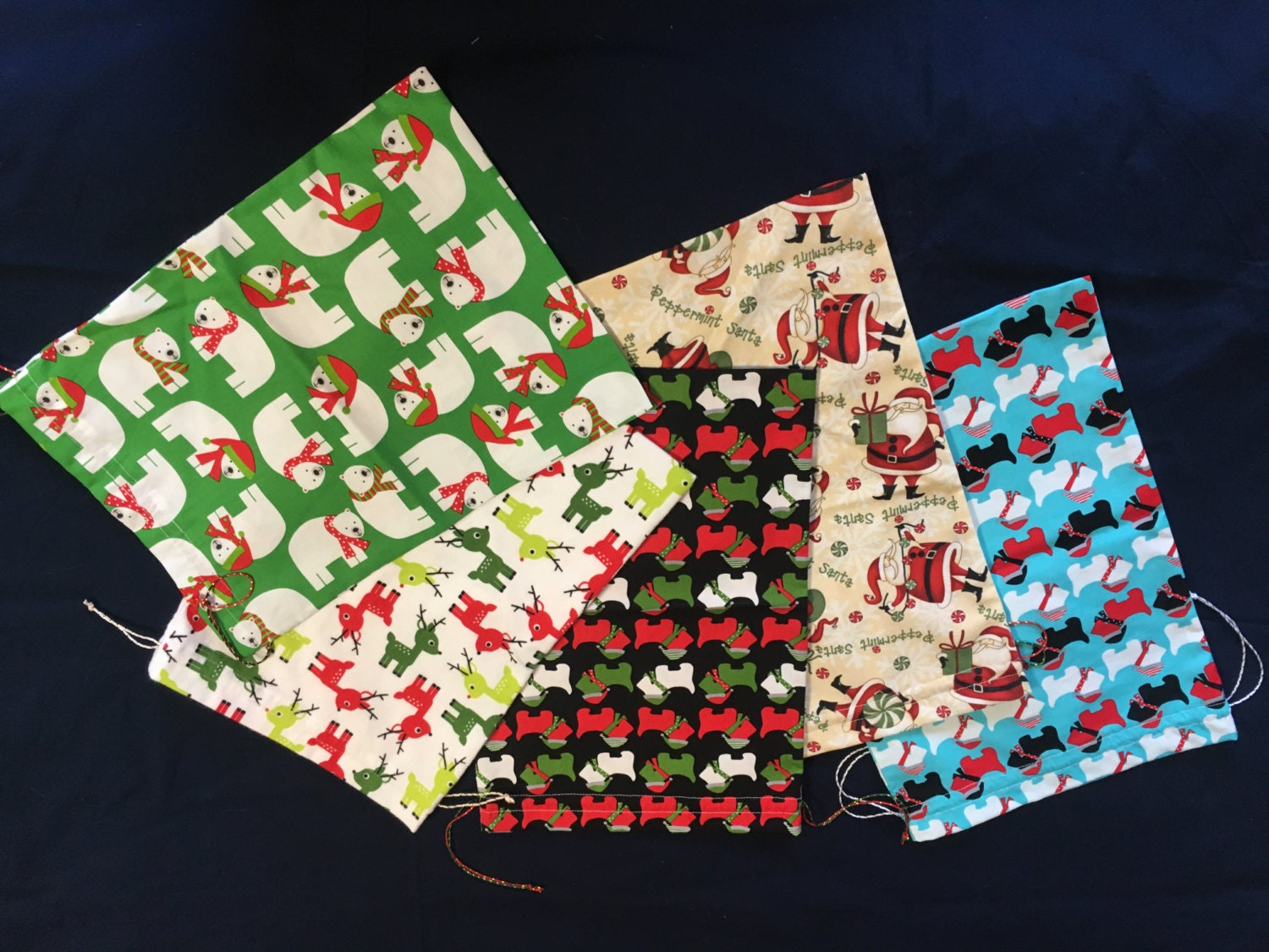 MEDIUM Reusable Fabric Christmas Gift Bags with drawstrings-Go GREEN ...