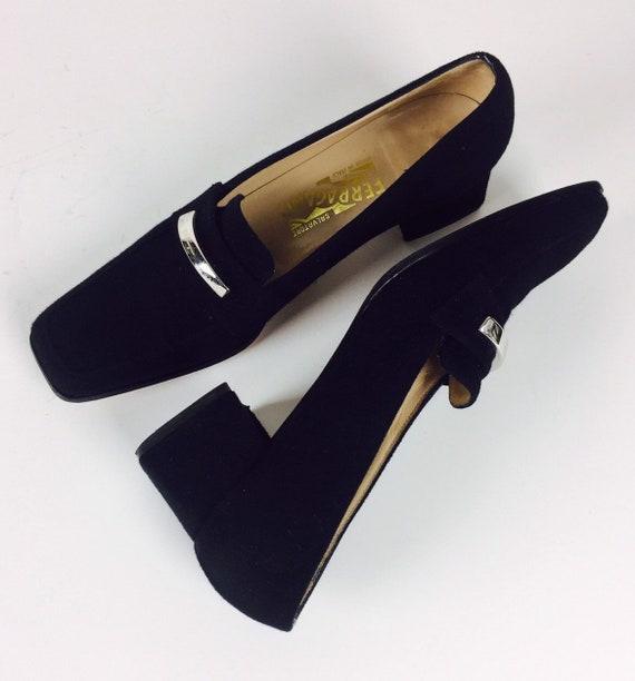 Vintage 90's Salvatore Ferragamo square toe heeled