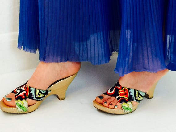 Vintage 90's Pucci psychedelic carved wood heel m… - image 5