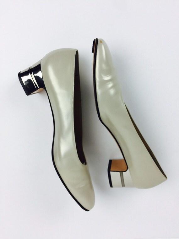 Vintage 00's Designer Salvatore Ferragamo pearlesc