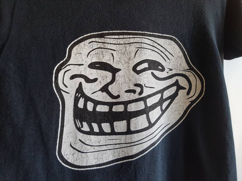 Pre-loved Sustainable Tee Size S Internet Troll Face Rage Comic Art by Carlos Ramirez TrollFace T-shirt