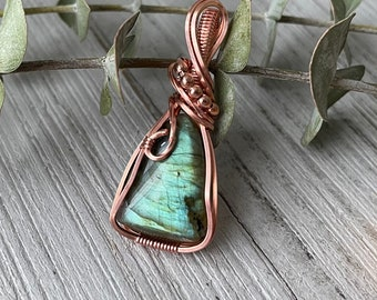 Green Labradorite Pendant / Copper Wrapped Labradorite Pendant / Labradorite Pendant Necklace
