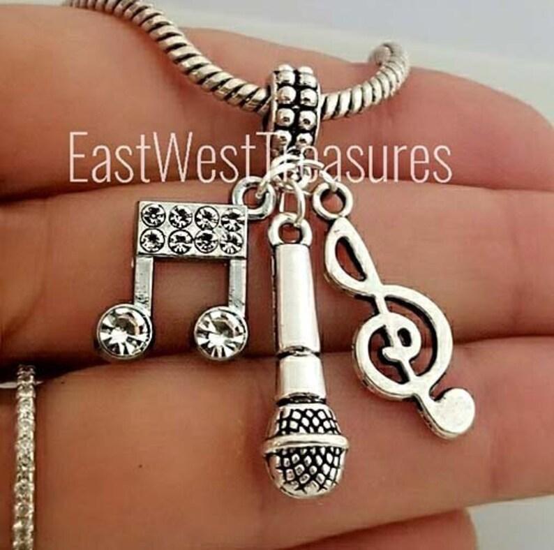 pandora charms clef
