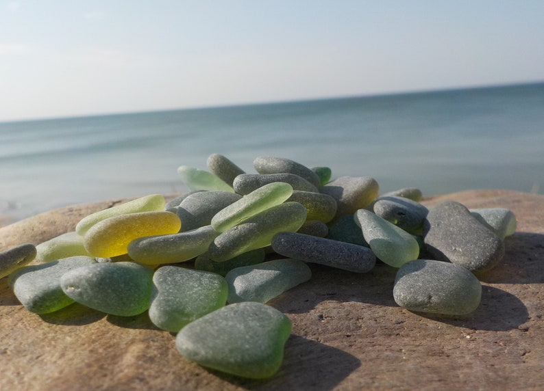 Bulk of TINY Green Shades Genuine Sea Glass-Teal,Emerald,Forest Green-Size-0.4-0.810-20mm-Jewelry quality-NOT HANDMADE-Sea glass art#91B