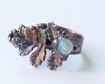 Antique Copper Leaf and Rainbow Moonstone Ring, Size 8 // Electroformed, Pure Copper // Leaf Ring, Paisley Band Design