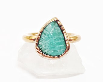 Hand Carved Emerald Leaf and Copper Ring, Size 7 // Electroformed, Pure Copper // Natural Stone, Birthstone
