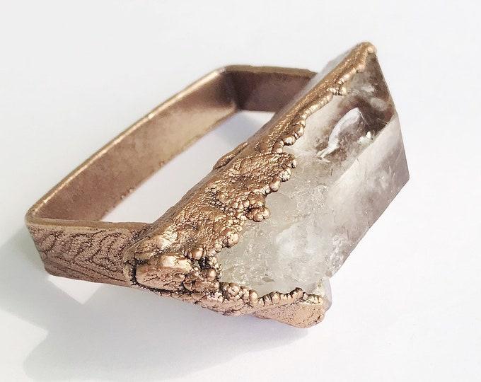 Large Phantom Quartz Knuckle Duster Ring, Three Finger Ring, Electroformed Copper // Pure Copper, Natural Stone, Wood Grain Design Band Bar