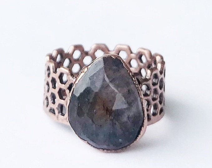 Faceted Blue Beryl and Copper Ring, Size 7 // Electroformed Copper // Honey Comb Ring Band