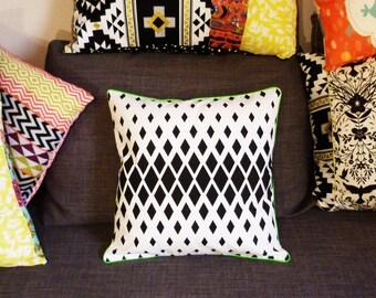 Cushion cover 40 x 40 cm, black and white, diamond
