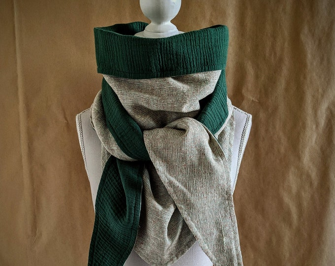 Triangle scarf, Green countryside
