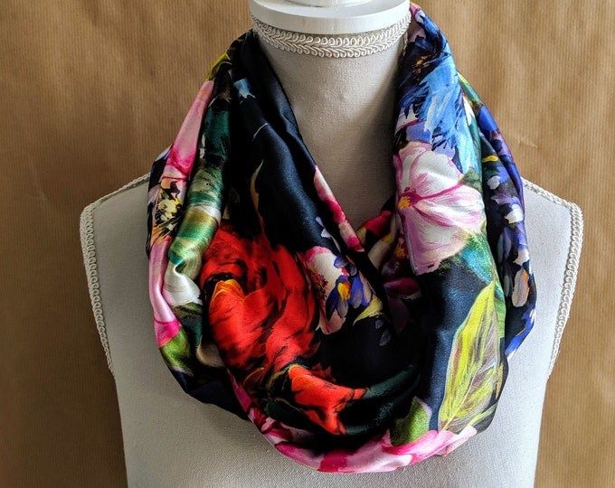 Silk Snood, The Romantic