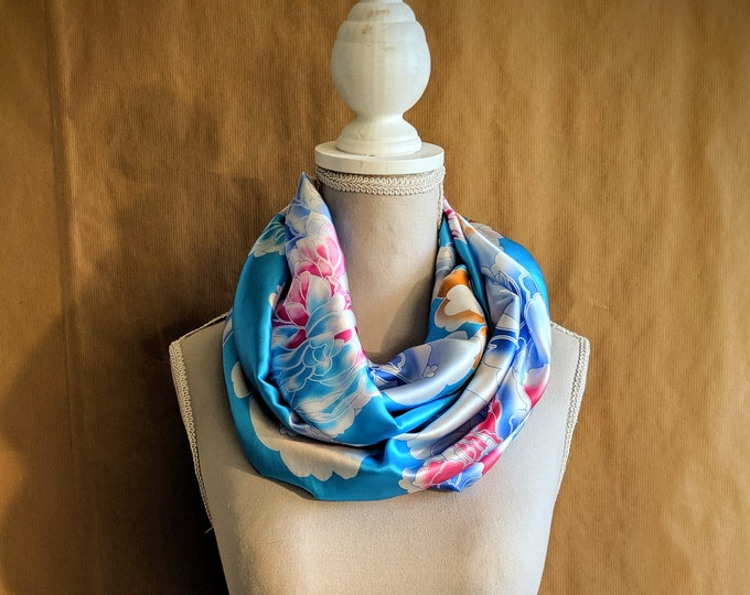 Silk Snood, The Blue Dahlias