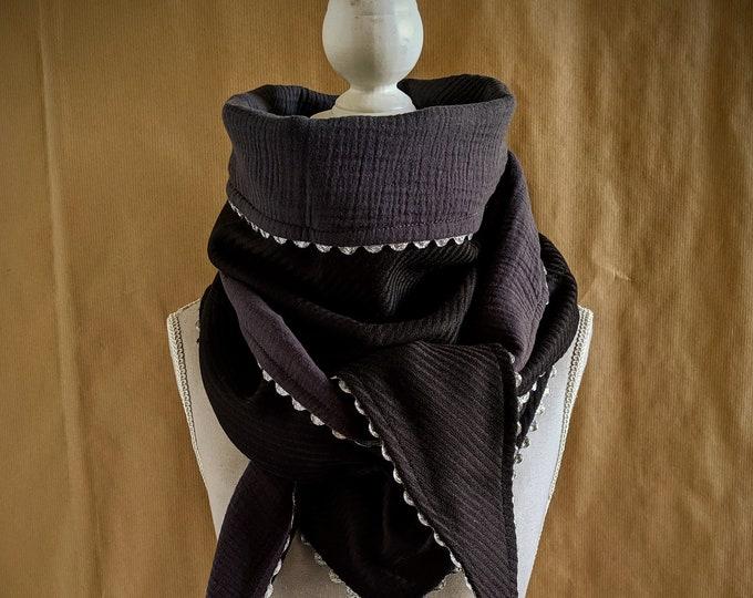 Triangle scarf, coal grey