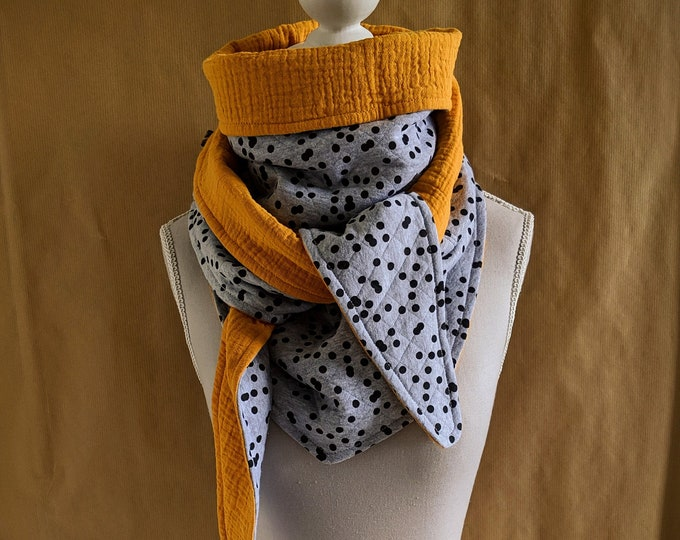 Triangle scarf sweatshirt sweaty black polka dots and mustard