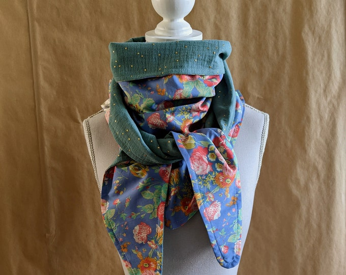 Cotton triangle scarf, Liberty roses