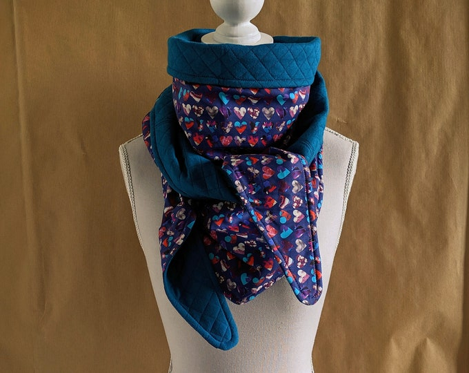 Sweat sweatshirt triangle scarf and Liberty Marble Hearts