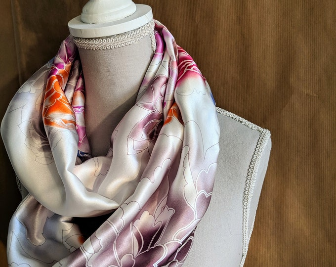 Silk Snood, The White Dahlias