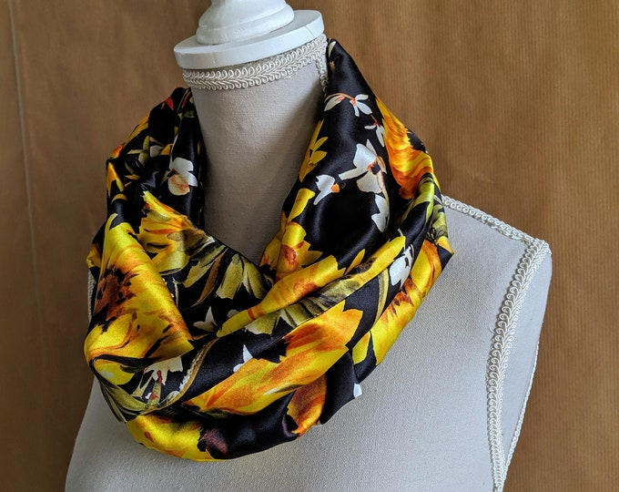 Silk Snood, Suns